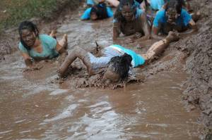 mud-slogging-girls-3